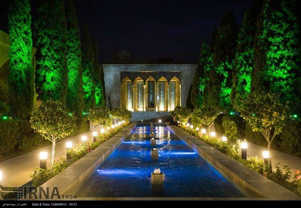 آرامگاه صائب تبریزی در باغ تکیه اصفهان4