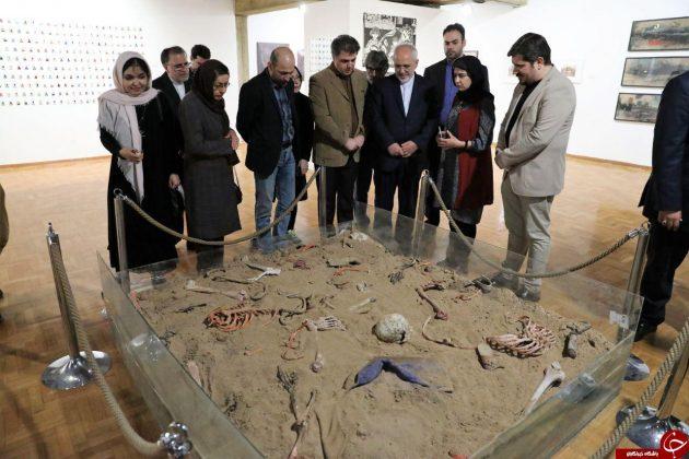 ظریف از نمایشگاه «نیمروز» هنرمندان افغان بازدید کرد5
