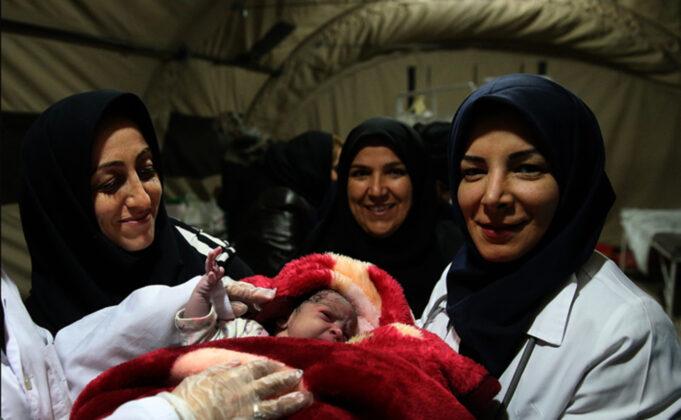 Two Babies Born in Makeshift Hospital amid Iran Earthquake5