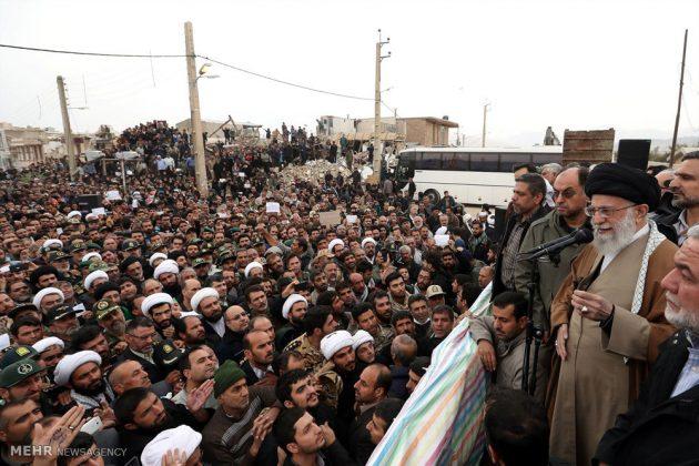 Líder iraní visita a Kermanshah para expresar su condolencias con las víctimas del terremoto 5