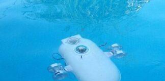 Iran Develops Smart Robot for Underwater Research