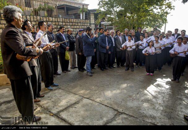 Playing Tanbur; Ancient Ritual in Iranian City of Dalahu6