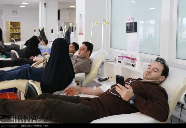 صف مردم تهران برای اهدای خون به زلزلهزدگان6