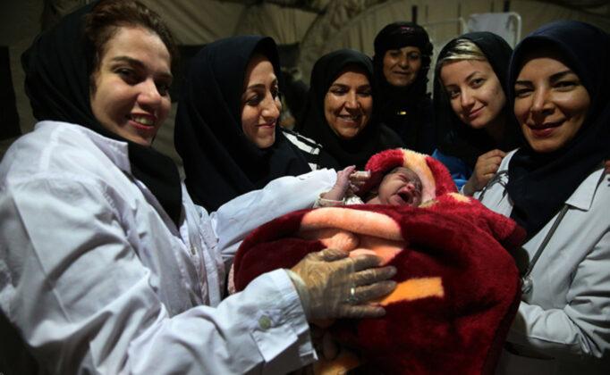 Two Babies Born in Makeshift Hospital amid Iran Earthquake6
