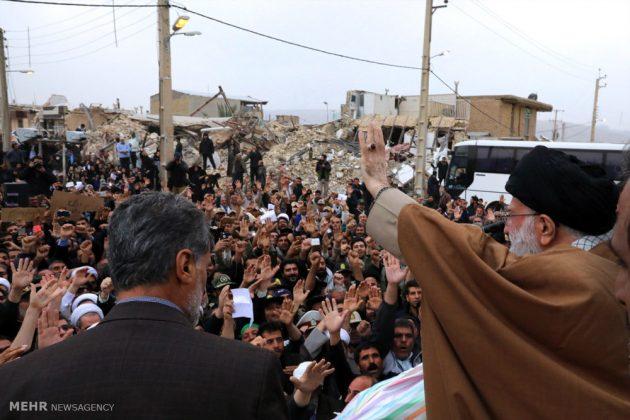 Líder iraní visita a Kermanshah para expresar su condolencias con las víctimas del terremoto 6