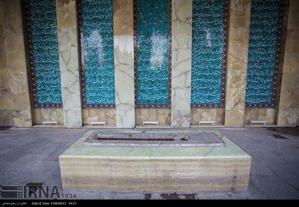 آرامگاه صائب تبریزی در باغ تکیه اصفهان6