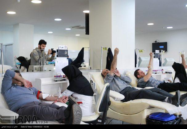 صف مردم تهران برای اهدای خون به زلزلهزدگان7
