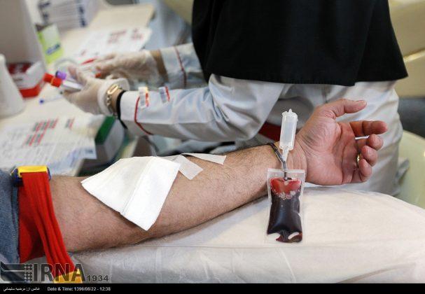صف مردم تهران برای اهدای خون به زلزلهزدگان8