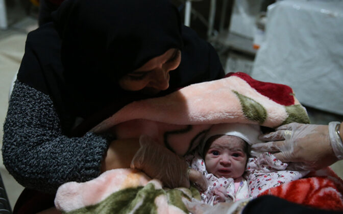 Two Babies Born in Makeshift Hospital amid Iran Earthquake8