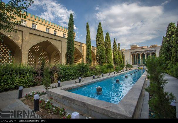 آرامگاه صائب تبریزی در باغ تکیه اصفهان8