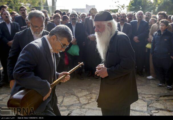 Playing Tanbur; Ancient Ritual in Iranian City of Dalahu9