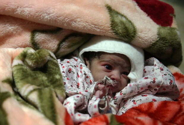 Two Babies Born in Makeshift Hospital amid Iran Earthquake9