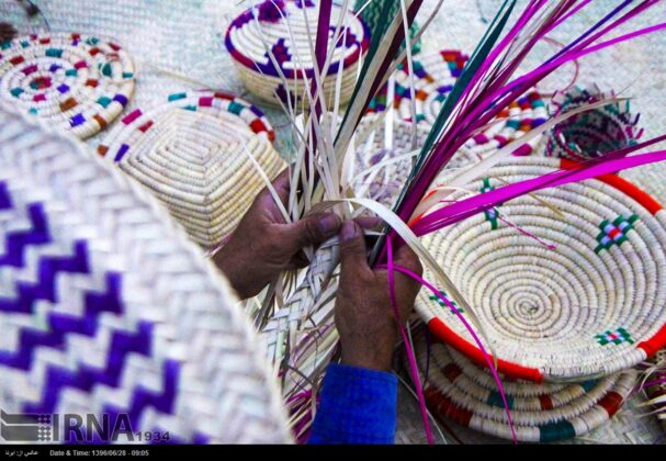 Iranian Craftsmen Turn Palm Leaves into Superb Artworks