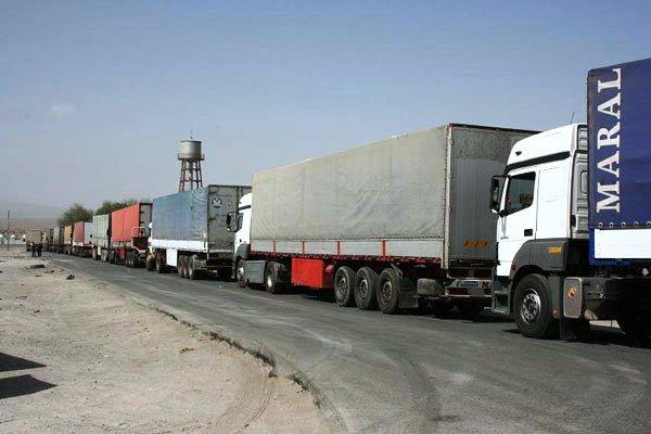 ايران تقرر منع مرور الشاحنات عبر المعابر الحدودية مع العراق