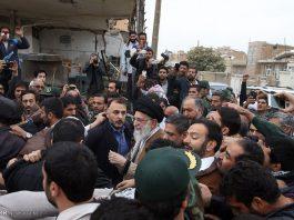 القائد الخامنئي يتفقد محافظة كرمانشاه المنكوبة بالزلزال1