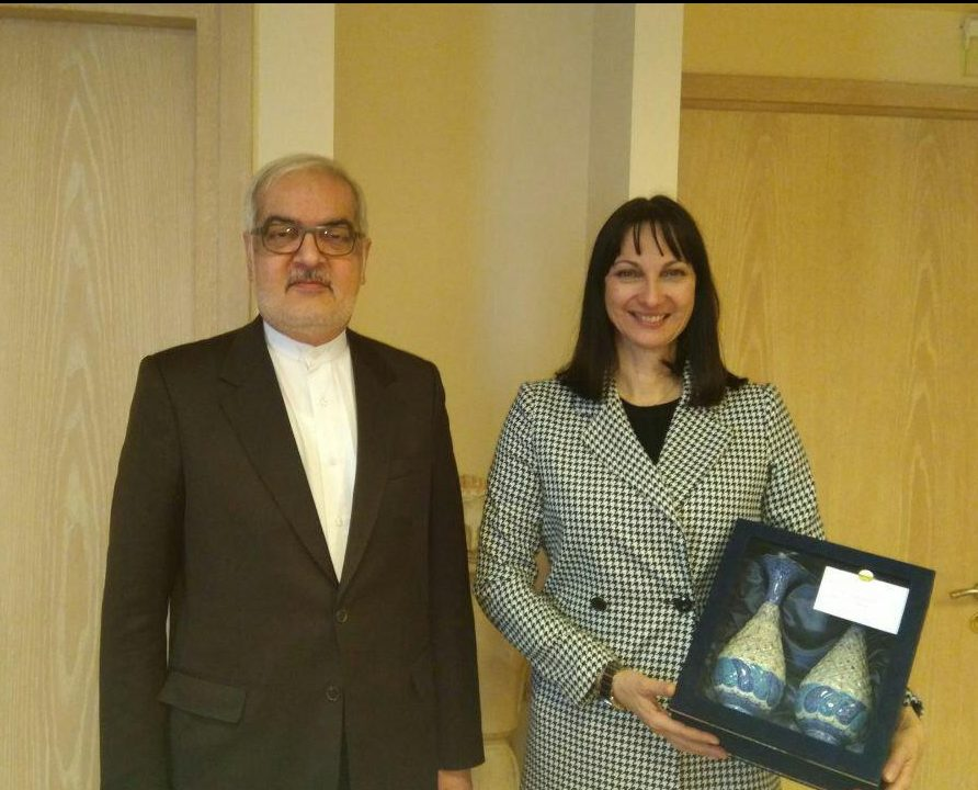Iran, Greece Call for Promotion of Tourist Ties