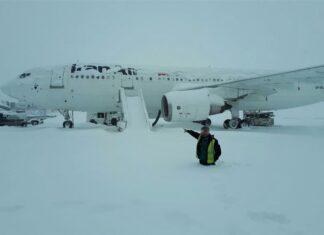 Flights at Tehran's Airports Resume after Heavy Snowfall