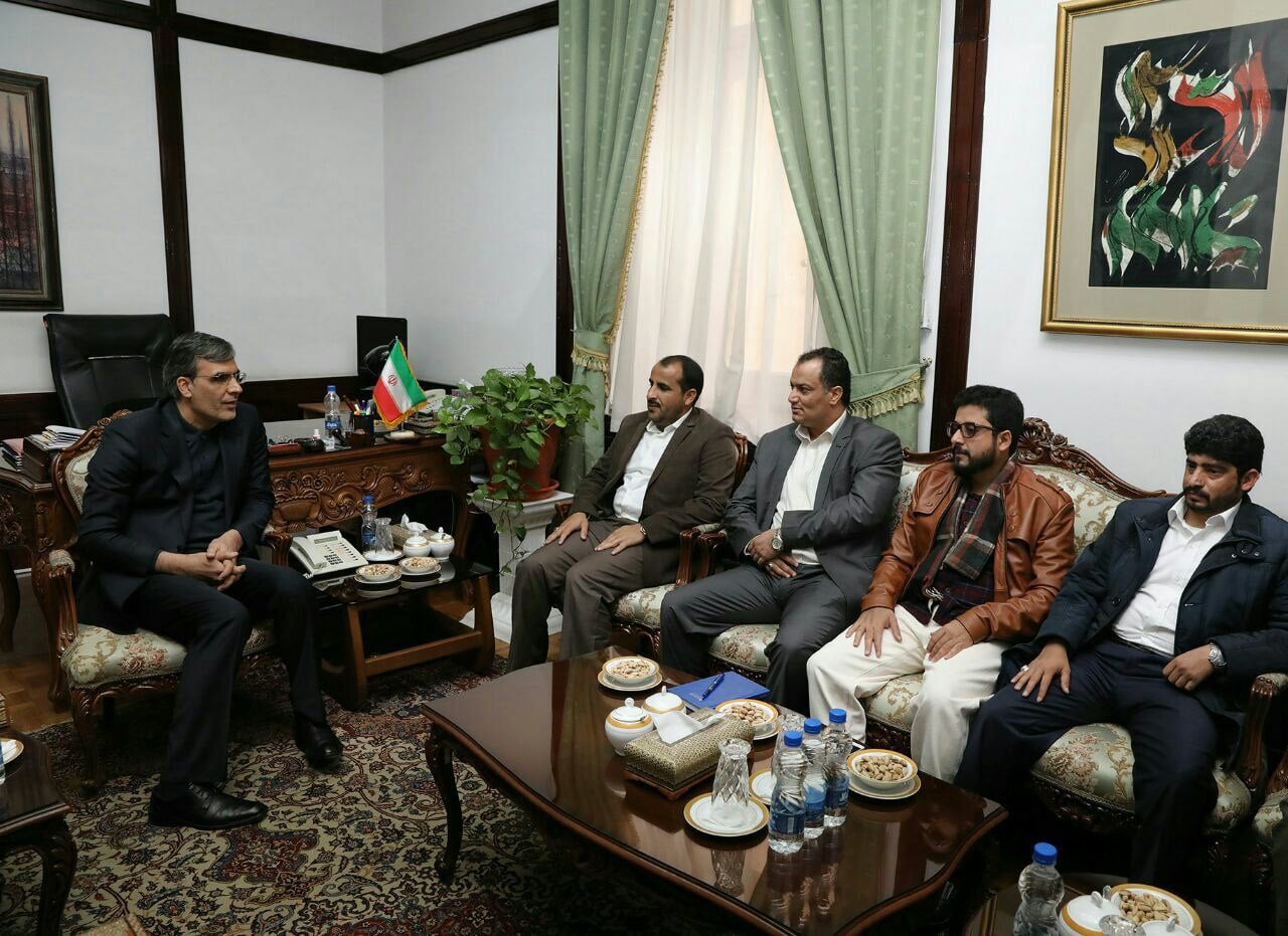 Iranian Foreign Minister meets Yemen's Houthi official