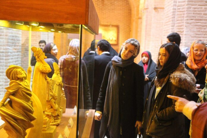 Families of Foreign Diplomats Visit Historic Sites of Iran's Qazvin