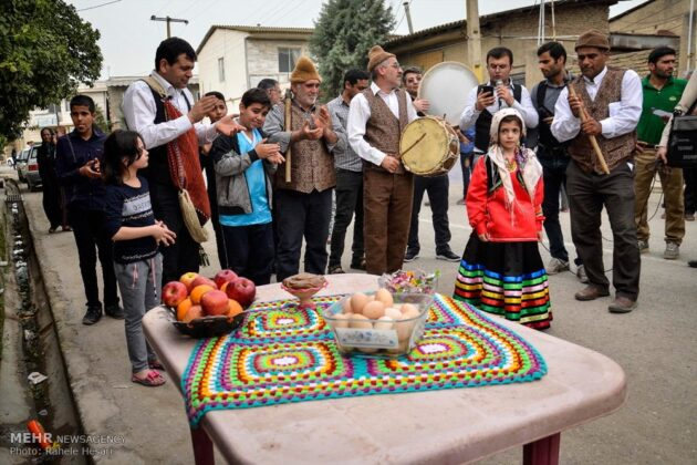 'Nowruz Khani' Ritual Heralds Advent of Persian New Year