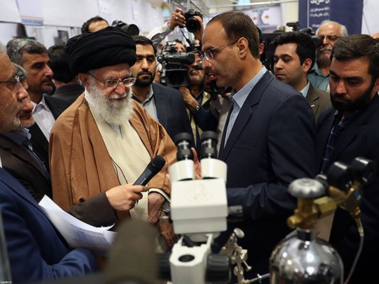 Ayatollah Ali Khamenei: US pushing Saudis to confront Iran