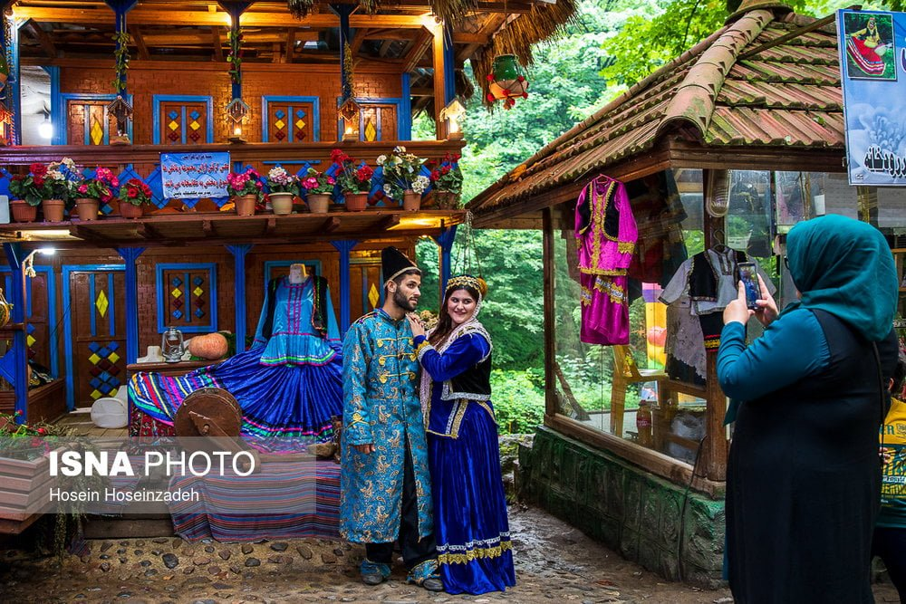 how to get from rasht to rudkhan castle