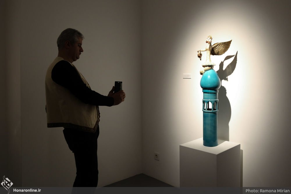 https://ifpnews.com/wp-content/uploads/2018/10/Sculpture-Exhibit-Depicts-Iranian-Women%E2%80%99s-Transition-to-Modernity-5.jpg