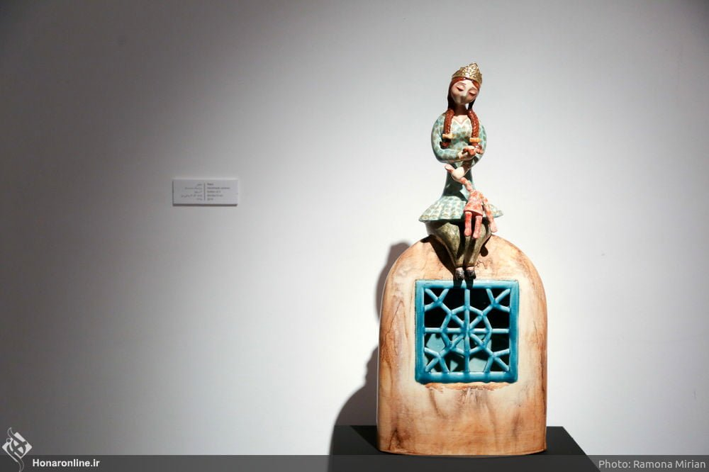 https://ifpnews.com/wp-content/uploads/2018/10/Sculpture-Exhibit-Depicts-Iranian-Women%E2%80%99s-Transition-to-Modernity-8.jpg