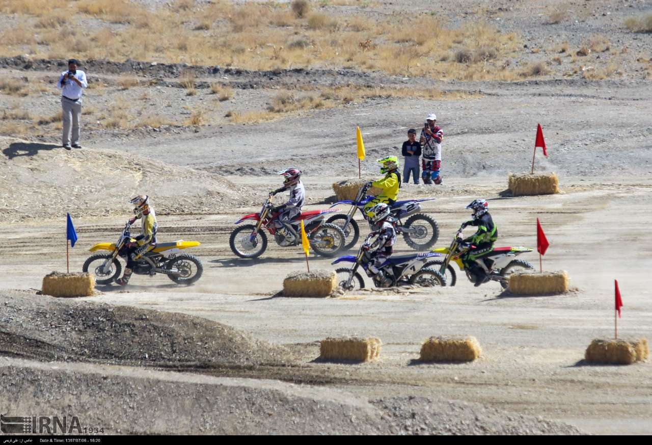 https://ifpnews.com/wp-content/uploads/2018/10/motor-cross-arak-14.jpg