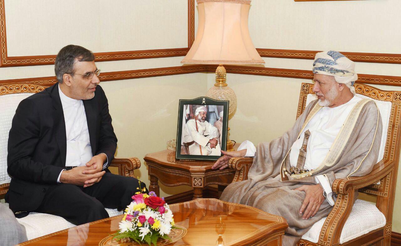 Iran, Oman Discuss Yemen Crisis in Muscat