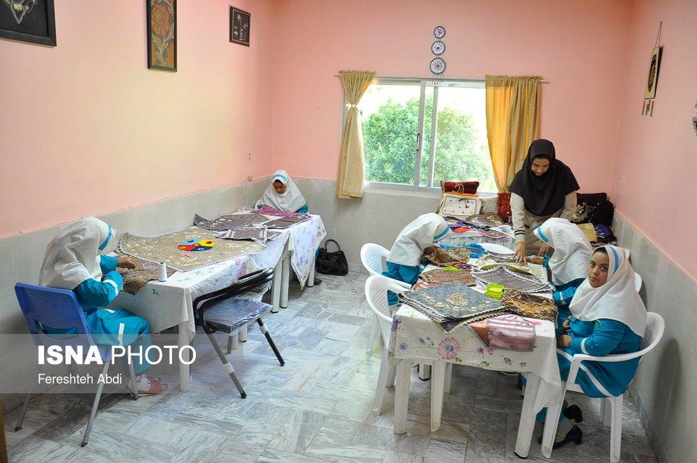 Disabled Iranians Making Handicrafts To Make Ends Meet