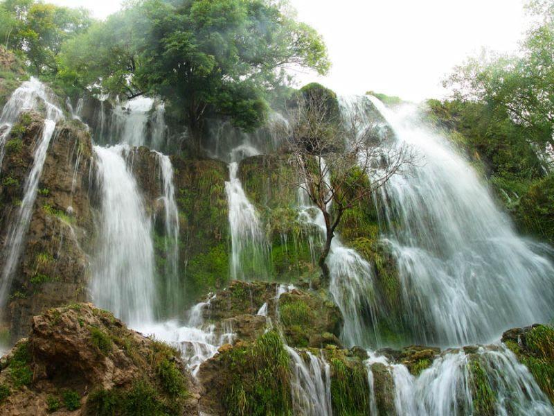 Niasar Waterfall