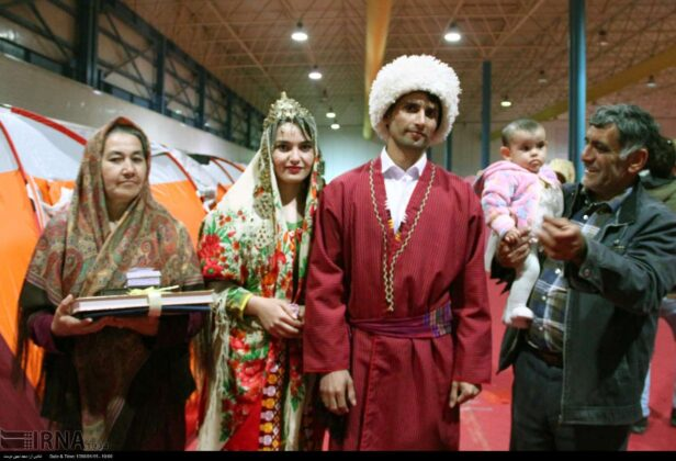 Dozens of Flood-Hit Couples Hold Wedding Ceremonies in Iran