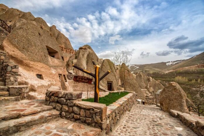 Iran Home to Several Strange but Attractive Hotels