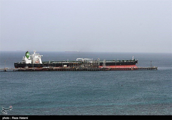 Iranian Oil Tanker Runs into Technical Problem in Red Sea