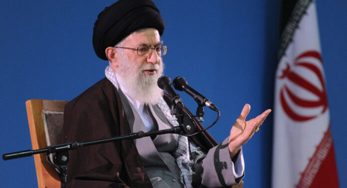 Ayatollah Khamenei Raps French President's Insult to Prophet of Islam