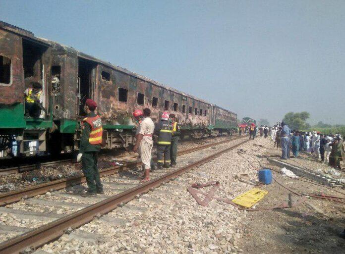 64 Killed in Train Fire in Pakistan