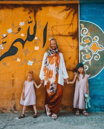 Polish Family Share Their Joy of Travelling to Iran (12)