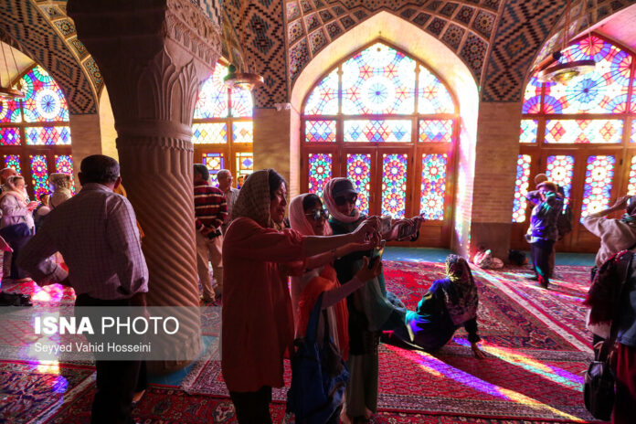 More Chinese Tourists in Iran after Lifting Visa Regime