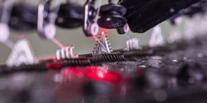 Iranian Company Develops Cutting-Edge Textile Technology
