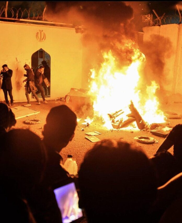 Iraqi Rioters Storm, Torch Iran Consulate in Najaf