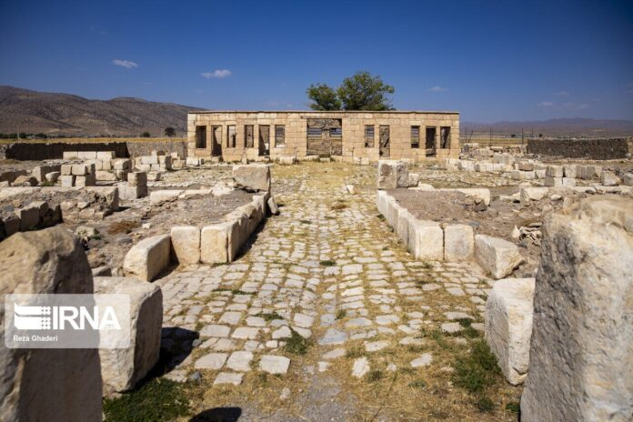 Achaemenid Pool Discovered in Iran's Pasargadae