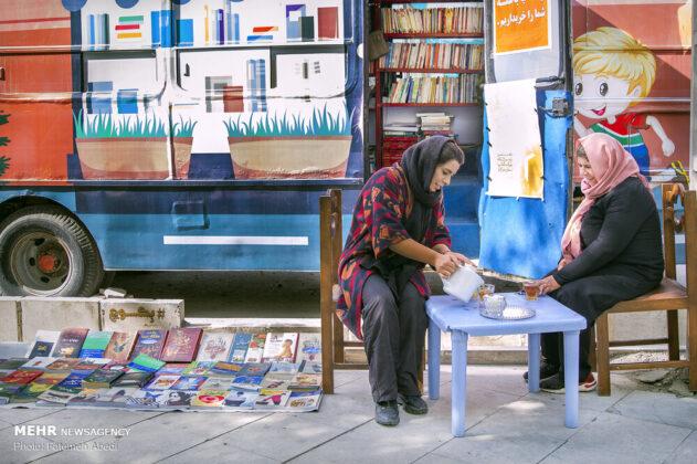 Iranian Teenage Girl Converts Minibus into Lovely Bookstore (21)