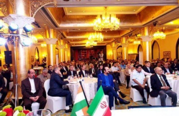 FM Zarif Meets Iranian, Indian Entrepreneurs in Mu