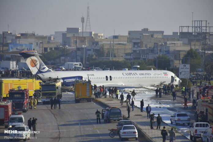 Tehran-Mahshahr Flight Skids Off Runway; No One Hurt