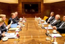 Zarif Holds 'Straight' Talks with European Counter