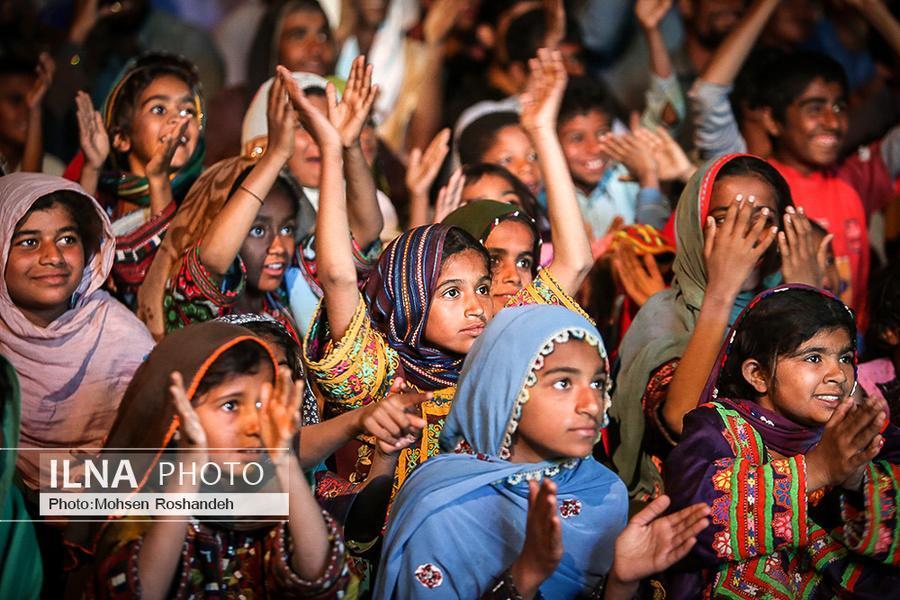 Flood-Hit Children in Iran's Sistan and Baluchestan