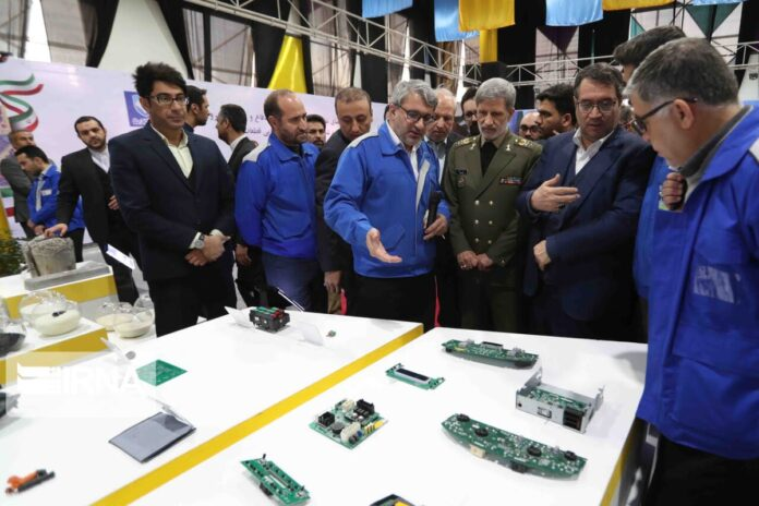 Defense Ministry Helping Iranian Carmakers against Sanctions