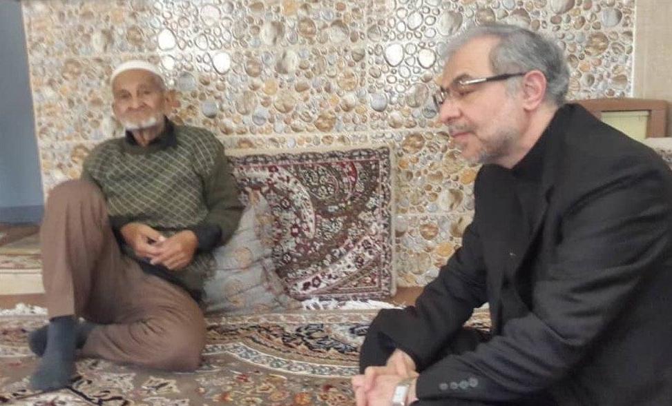 FM Zarif's Aide Meets Families of Afghans Killed in Ukraine Plane Crash