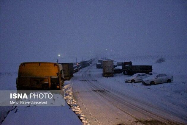 Heavy Snowfall, Avalanche Leave Casualties in Northern Iran (1)